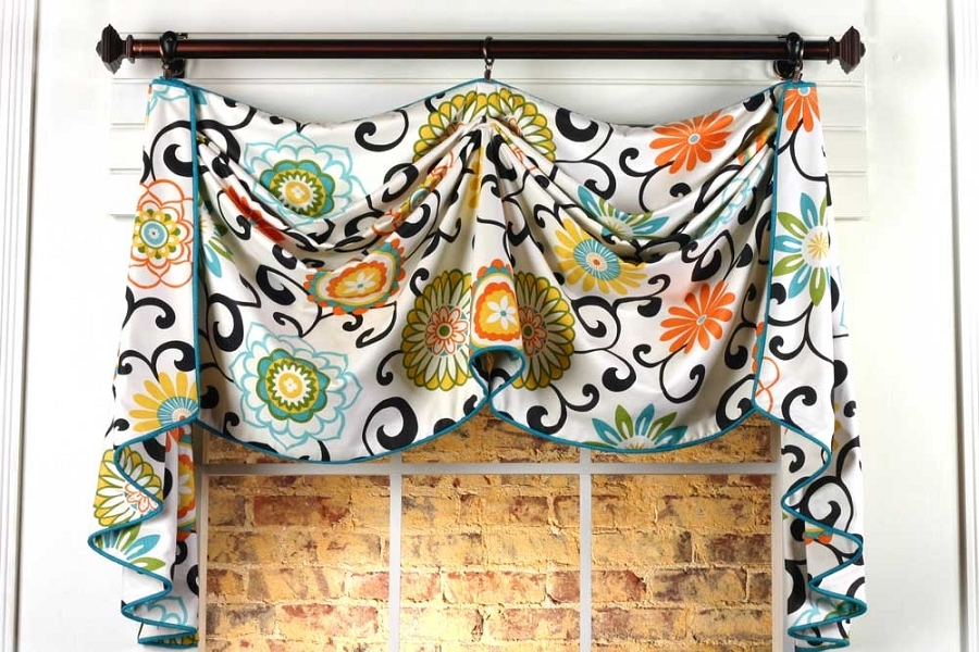 Catherine Curtain Valance Sewing Pattern | Pate Meadows Designs